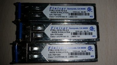 Miglior prezzo LOT OF 3 TRANSCEIVER FINISAR FTRJ 1319-7D-2.5 - 1000BASE 1310NM 10 KM SFP